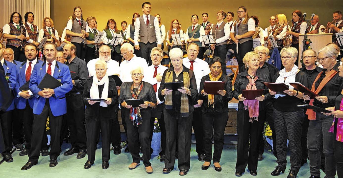 Musikalischer Ausdruck der Kraft von  ...nst selbstständigen Gemeinden im Tal.   | Foto: Gudrun Gehr