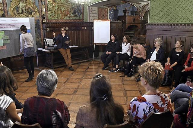 Frauen sammelten gemeinsam Ideen, wie sie ihre politische Teilhabe verbessern können