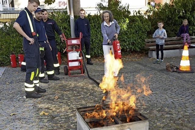 Denn Feuerlöscher bedienen ist einfach, wenn man's kann