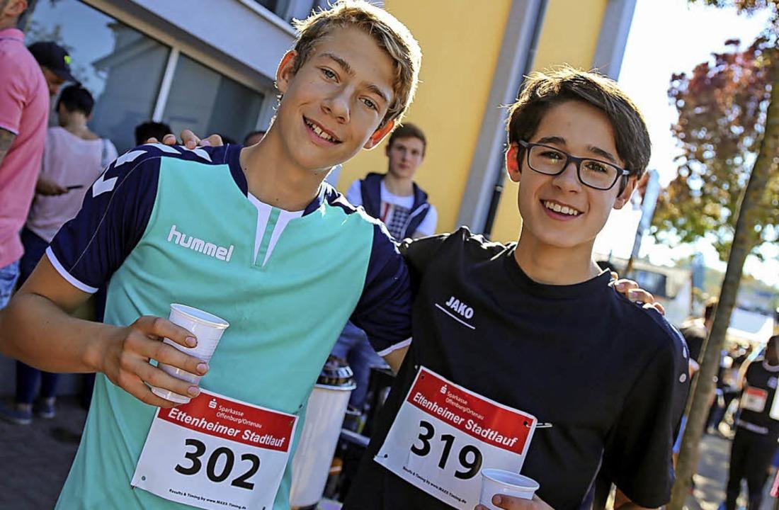 Geschafft: zwei Schüler im Zielbereich  | Foto: Sandra Decoux-Kone