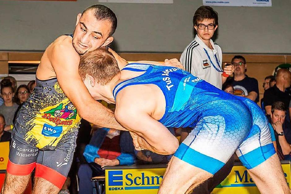 Ivan Guidea (links, RG) gegen den Ex-Freiburger Manuel Wolfer, dessen Heimatverein die RG ist. Guidea landete einen 3:0-Punktsieg. (Foto: Thorsten Springmann)