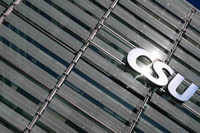 CSU will schnelle Regierungsbildung - Seehofer lehnt Rücktritt ab