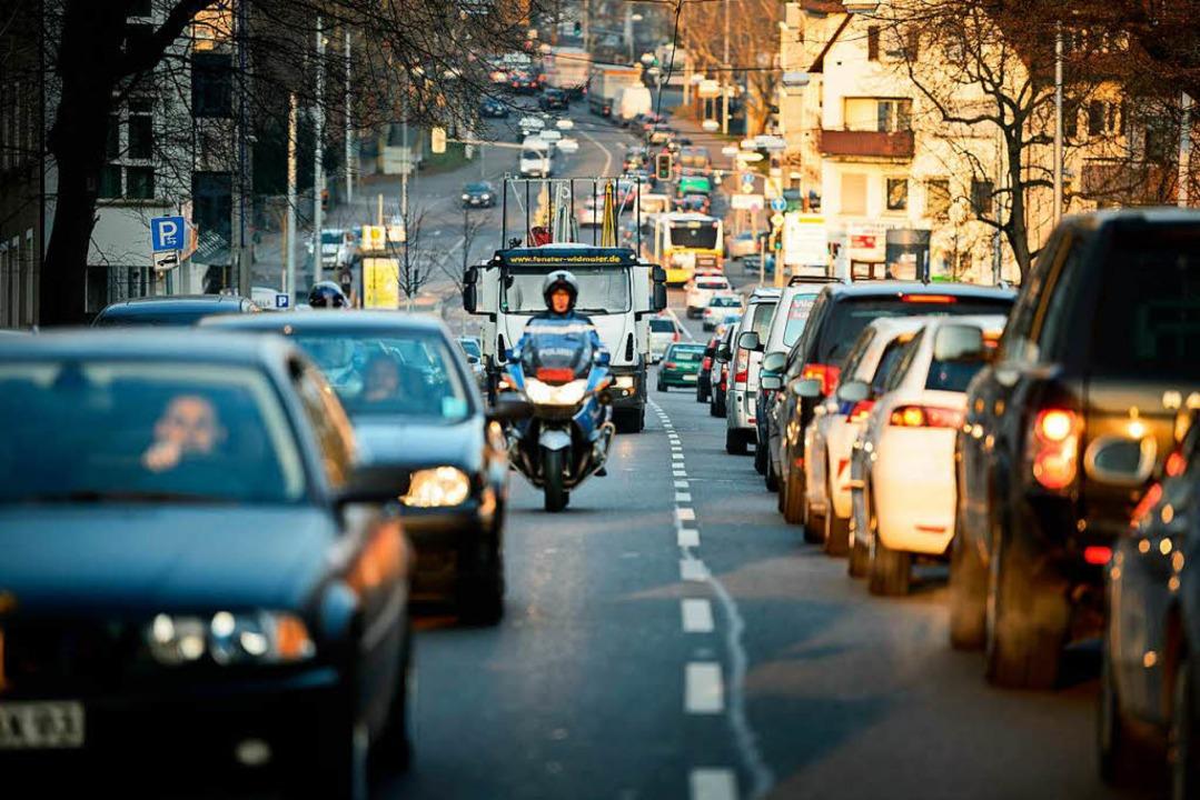 Verkehr in Stuttgart  | Foto: dpa