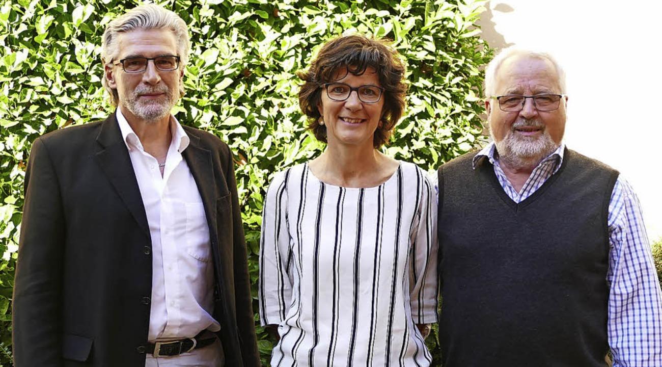 Dieter Fehrle, Andrea Müller, Dieter G... haben das Laptop-Projekt unterstützt.    Foto: Margareta Holzreiter