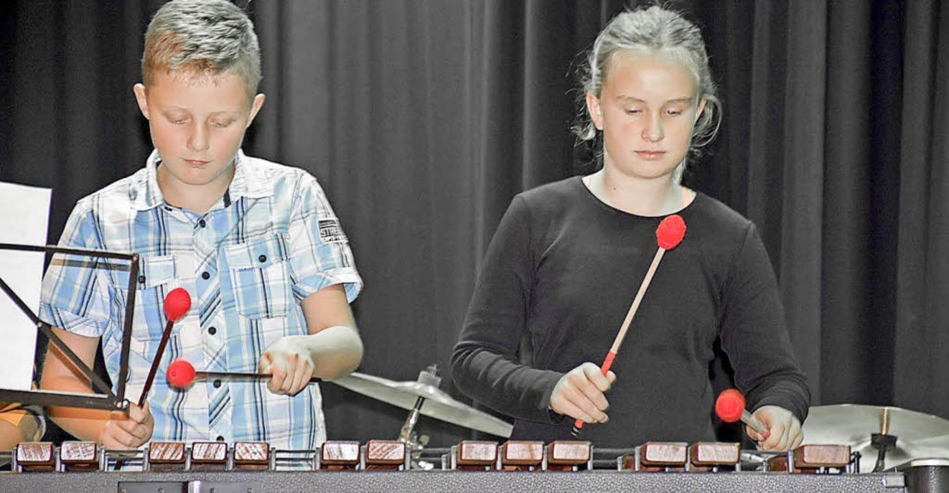 Volle Konzentration beim Spiel auf dem Marimbafon.  | Foto: Thomas Biniossek