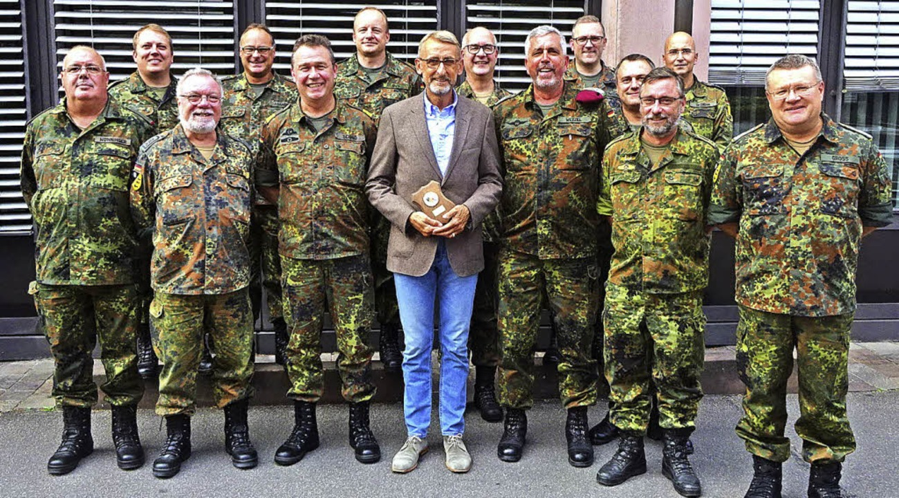 Armin Schuster inmitten des zwölfköpfigen Kommandos   | Foto: KVK