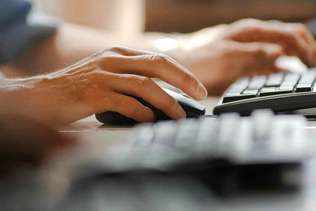 55-jähriger Freiburger lädt im Internet-Café Kinderpornos herunter