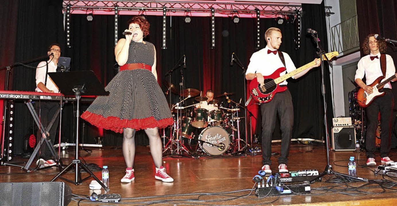 Die Party für Tanzfreudige am Freitaga... in der Festhalle Kollnau geboten hat.  | Foto: Karin Heiss