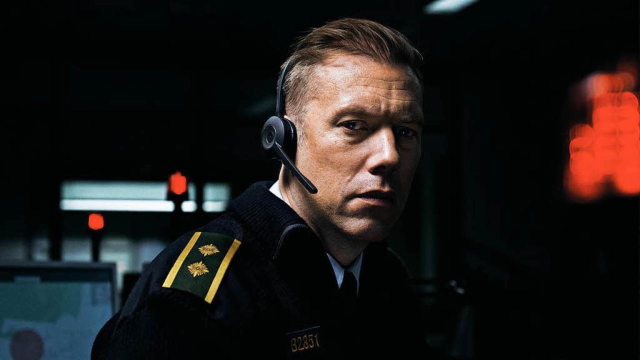Was passiert da?  Polizist Asger  (Jakob Cedergren).  | Foto: nfp