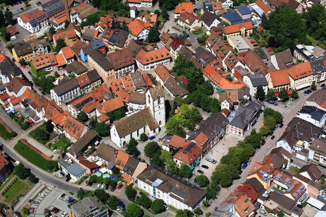 Am Sonntag entscheidet sich, wer neuer Bürgermeister von Schopfheim wird  | Foto: Erich Meyer