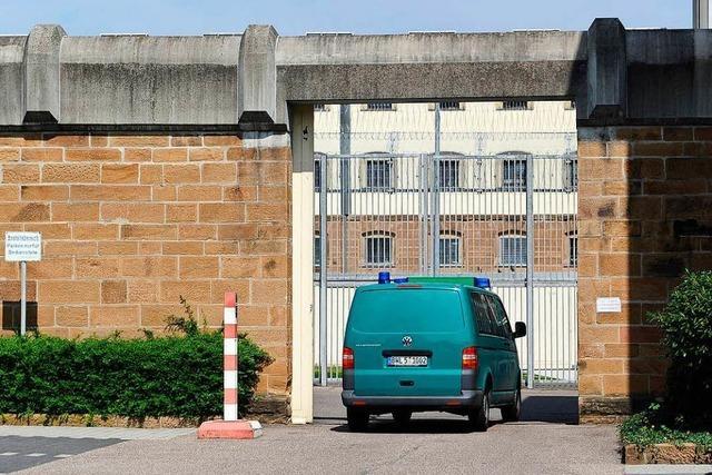 Gefängniswärter sollen Nazibilder ausgetauscht haben