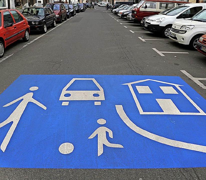 In einer   Spielstraße: Hier darf nur sehr langsam gefahren werden.     Foto: dpa