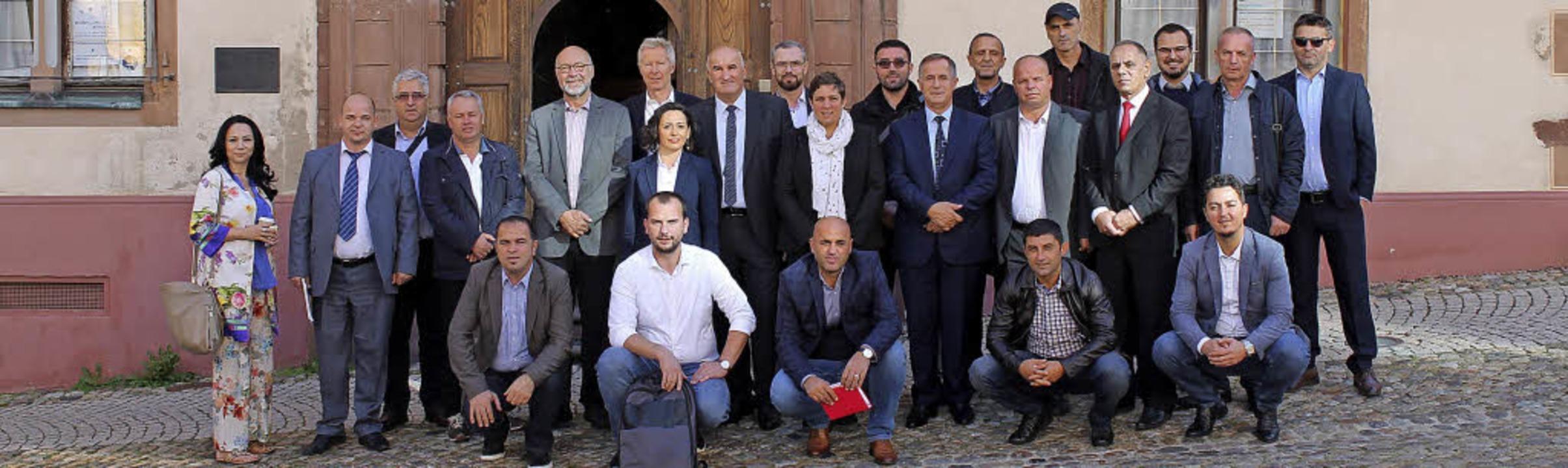 Eine Delegation aus dem Kosovo, besteh...h der Stadt Endingen einen Besuch ab.     Foto: Stadt Endingen