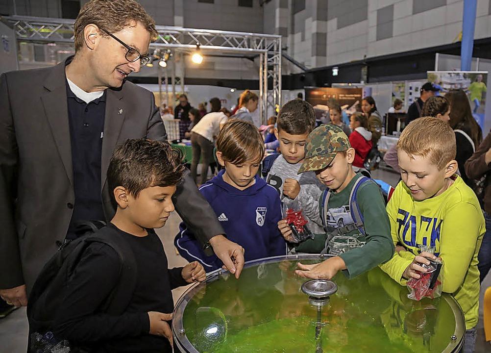 Viele spannende Entdeckungen aus dem B...h der Physik bieten die Science Days.   | Foto: Sandra Decoux-Kone