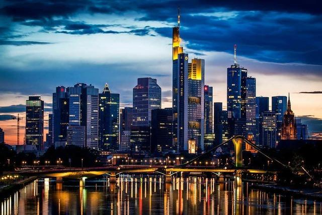 Treibt die EU Sparkassen und Volksbanken ins Abseits?