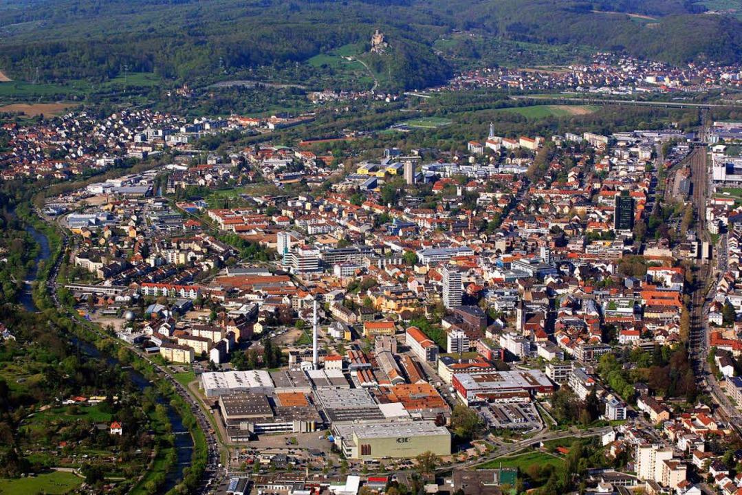 Die dicht besiedelte Tallage von Lörra...rschiedliche Anforderungen zu finden.   | Foto: Meyer