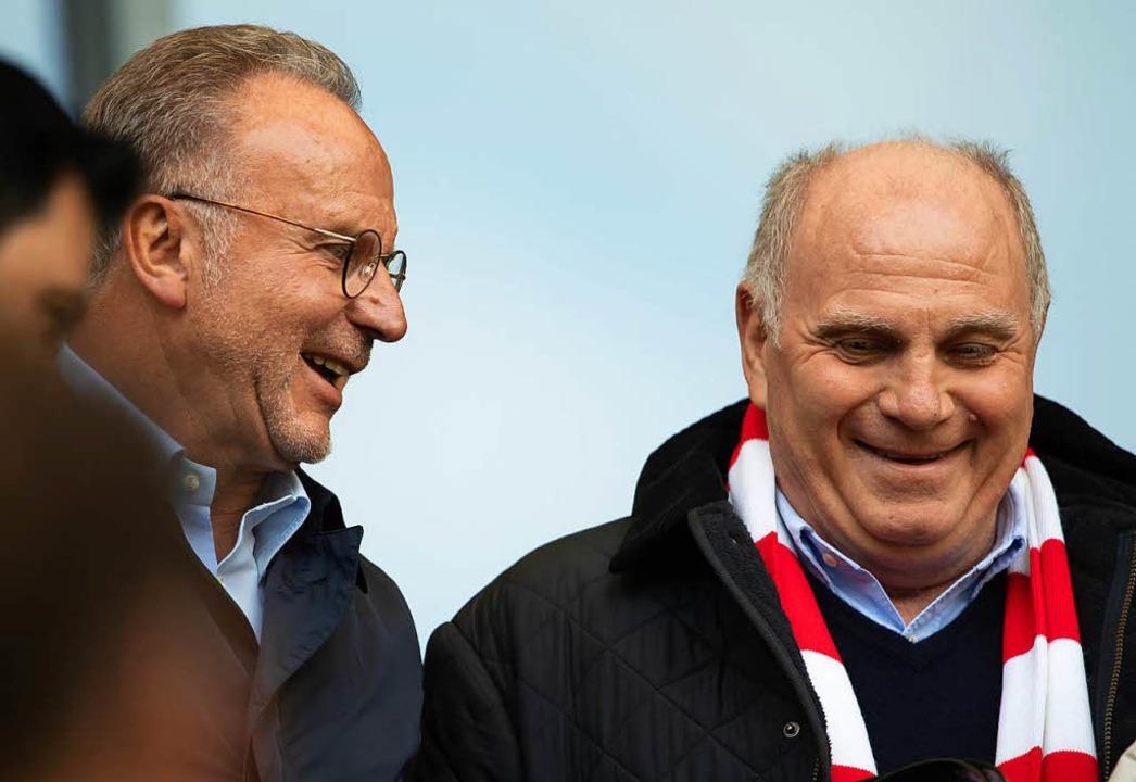 Haben wieder gut lachen: Karl-Heinz Ru...es FC Bayern, und Präsident Uli Hoeneß    Foto: dpa