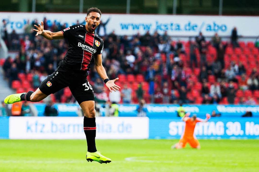 Bayer Leverkusen - Hannover 96: Karim Bellarabi jubelt über sein Tor zum 2:2    Foto: dpa