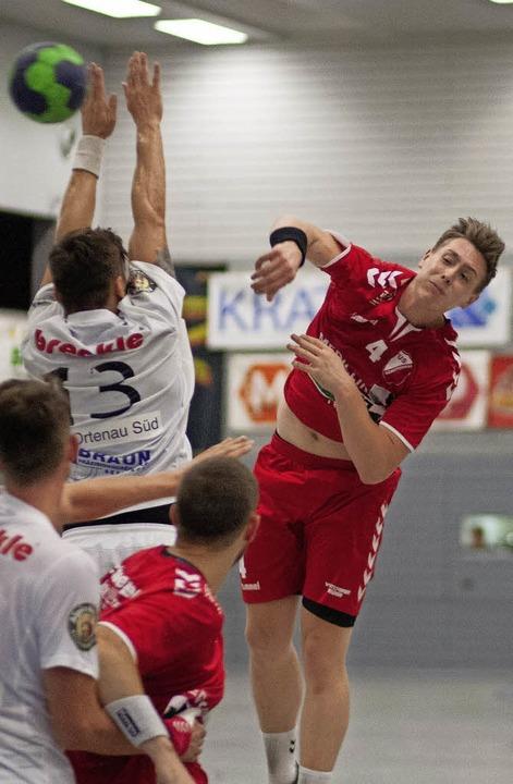 Tim Heuberger warf neun Tore beim Schu...er Heimsieg über die HSG Ortenau Süd.   | Foto:  Alexandra Buss