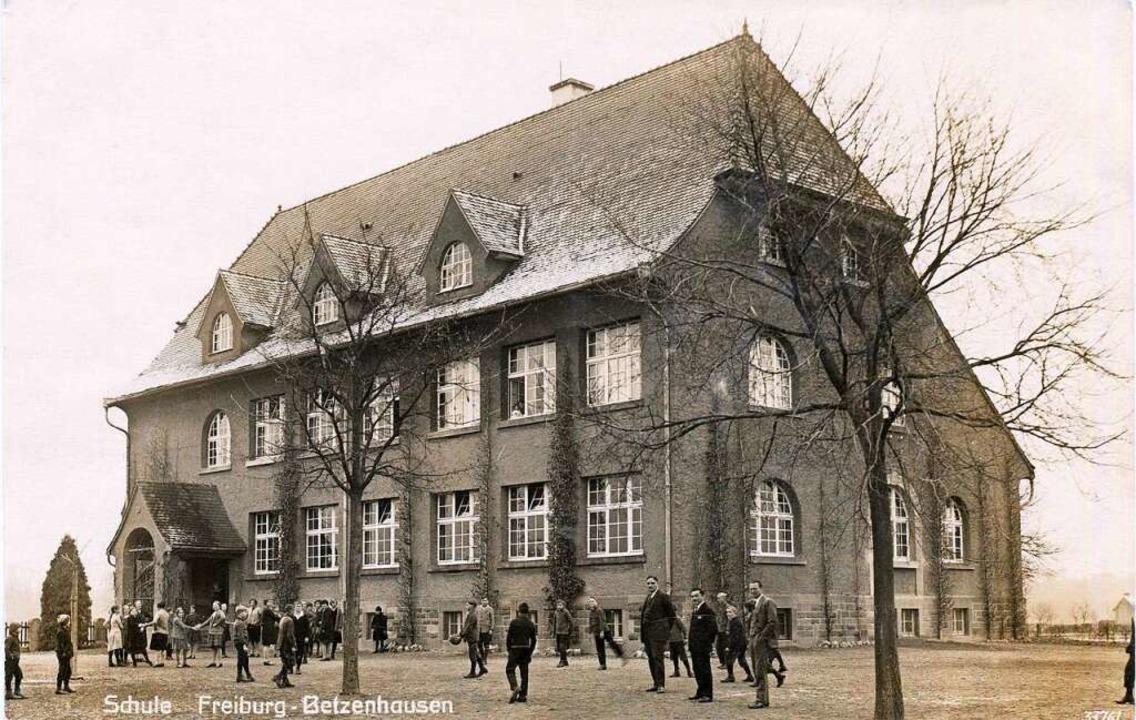 Das Betzenhausener Schulhaus in seinem Ursprungszustand.  | Foto: Hans-Jürgen Oehler