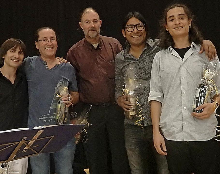 Die Freiburger Band Wilkabamba nach ih...e Arbeit des Staufen-Paraguay-Vereins   | Foto: Bianca Flier