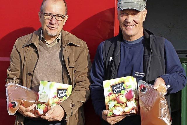 Jeder Helfer erhält 15 Liter Apfelsaft