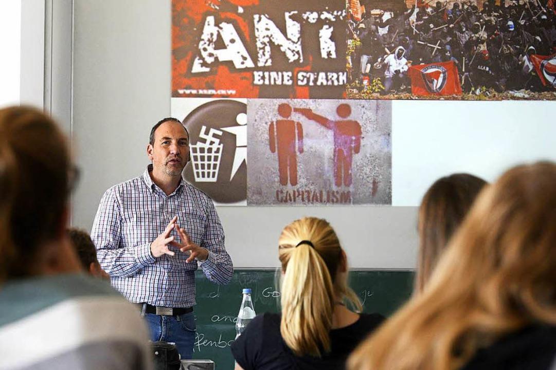 Medienexperte Thorsten Müller von der ...ymnasium über Extremismus im Internet.  | Foto: Thomas Kunz