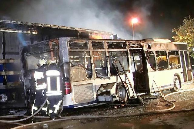 Tatverdächtiger festgenommen, der einen Bus in Seelbach angezündet haben soll