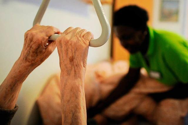 3 Menschen aus dem Ausland erzählen, warum sie in Deutschland Altenpfleger werden