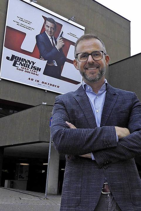 Umtriebiger Kino-Macher: Jan Marc Maier vor dem Forum.  | Foto: Dierk Knechtel