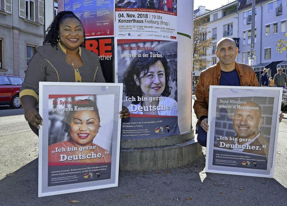 Sylvie Nantcha und Dejan Mihajlovic we...rteten Kampagne für die Einbürgerung.   | Foto: Michael Bamberger