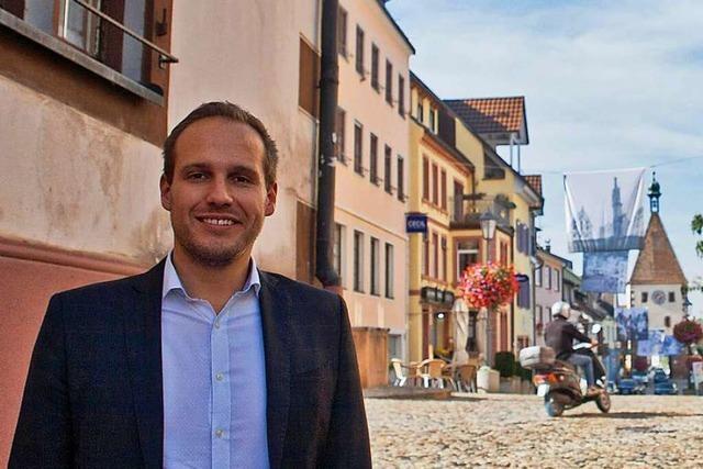 Stadtrundgang durch Endingen mit Bürgermeisterkandidat Felix Fischer