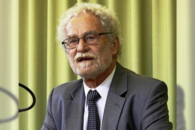 Dr. Rolf-Dieter Kluge spricht in Badenweiler