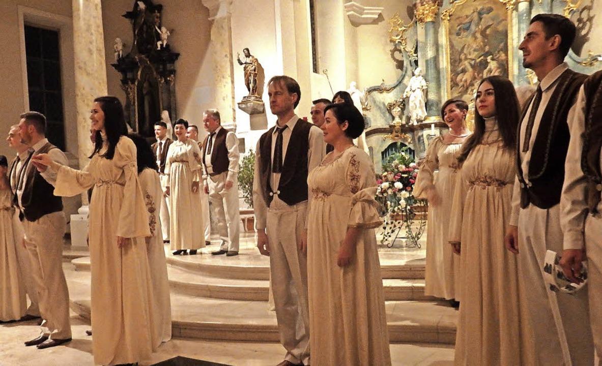 Der ukrainische Chor Oreya bezauberte ...ang und schauspielerischer Raffinesse.  | Foto: Bianca Flier