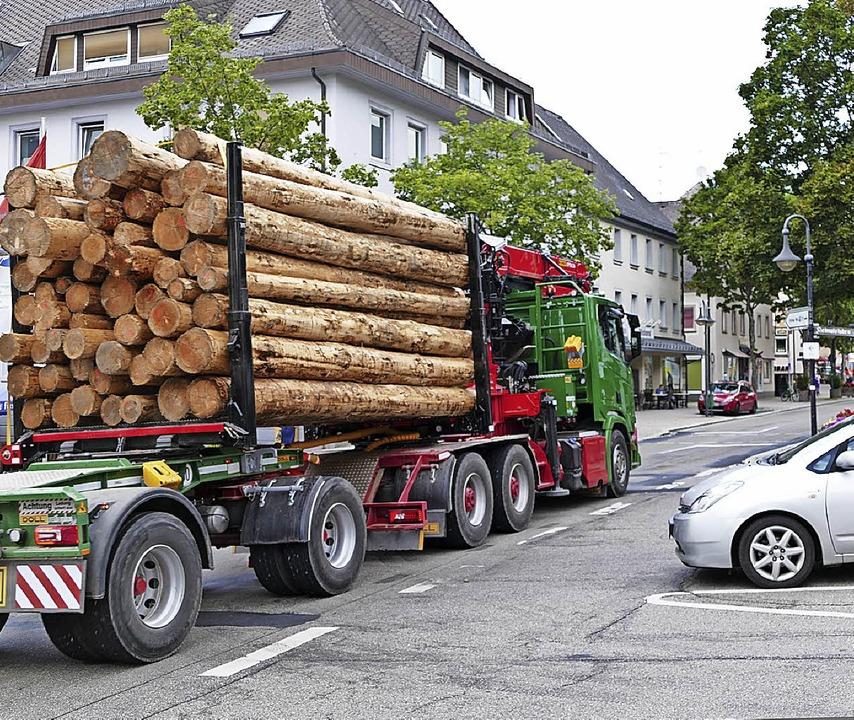 Der Schwerverkehr soll aus der Hauptstraße heraus.     Foto: Peter STellmach