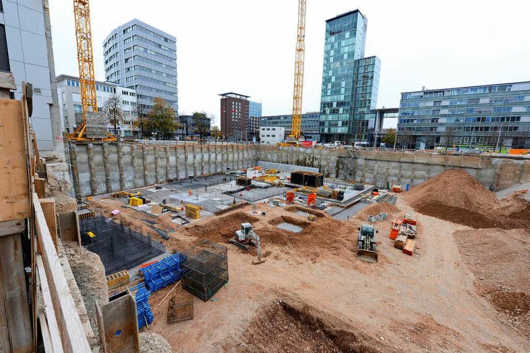 Die Baugrube ist ausgehoben.  | Foto: Ingo Schneider