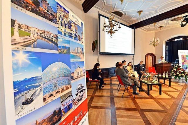 Die erste internationale Partnerstädte-Konferenz in Freiburg bringt konkrete Ergebnisse