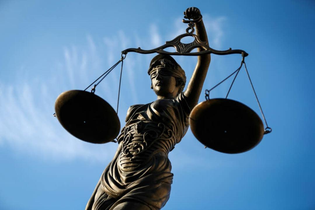 Der 37-jährige Deutsche soll eine ihm ...iheitsstrafe auf Bewährung verurteilt.    Foto: dpa