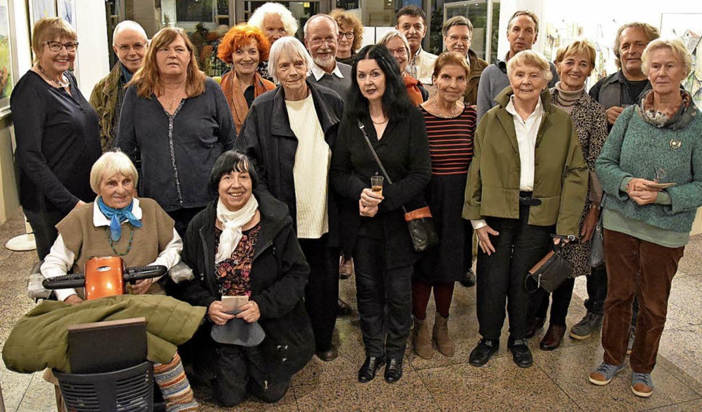 Die Mitglieder des Gundelfinger Kunstvereins stellen gemeinsam aus.  | Foto: Andrea Steinhart