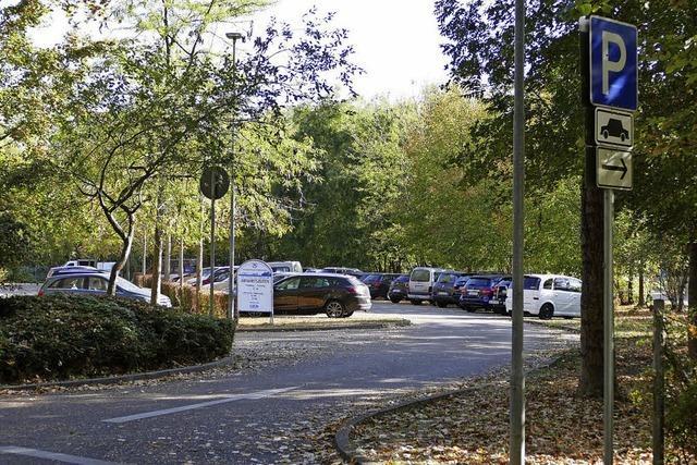 Neuer Busparkplatz beim Sportgelände