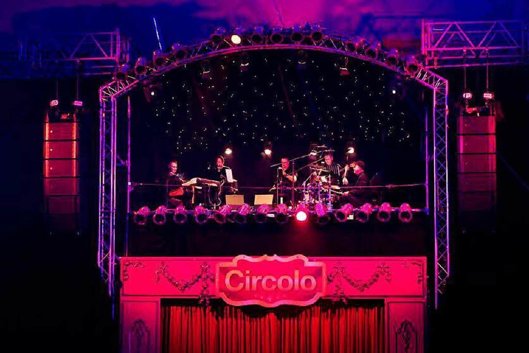 Das Circolo-Orchester sorgt für die musikalische Untermalung der Show.  | Foto: Circolo Freiburg