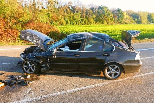 Schwere Verkehrsunfall – Fahrer leicht verletzt