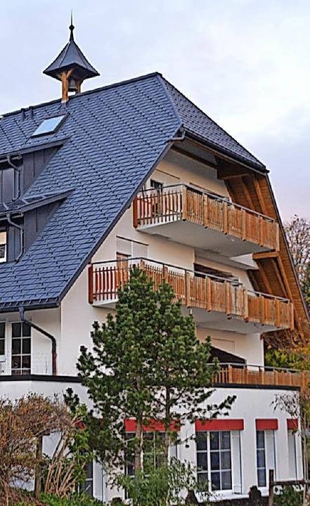 Das älteste Haus in Lehen: der Liborihof mit Angelusglocke    Foto: Christiane Sahli