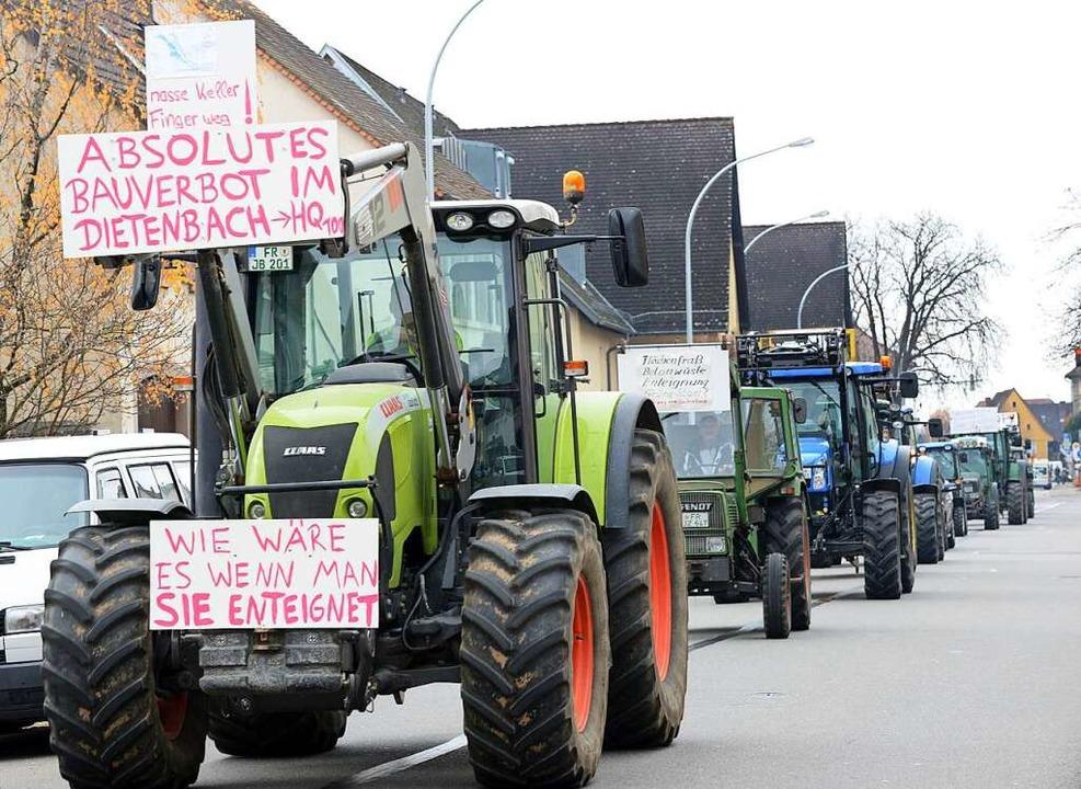 Der Protest – hier Landwirte mit...ietenbach – hat Wirkung gezeigt.  | Foto: Rita Eggstein
