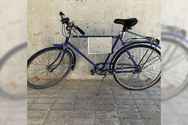 Polizei sucht Eigentümer von drei Rädern, die wohl gestohlen wurden