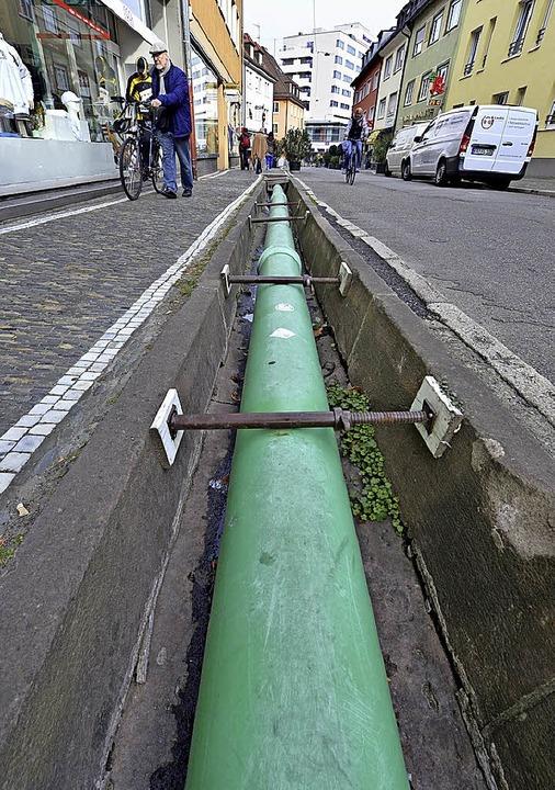 Das provisorische Rohr im Bächle kommt wieder weg.   | Foto: Bamberger