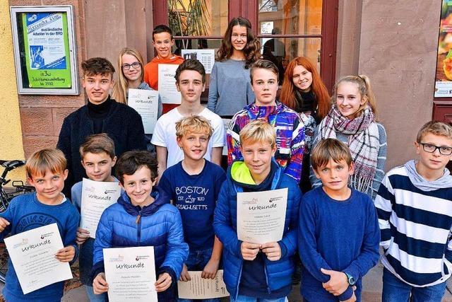 Junge Fotografinnen und Fotografen beim Freiburger Jugendfotopreis ausgezeichnet