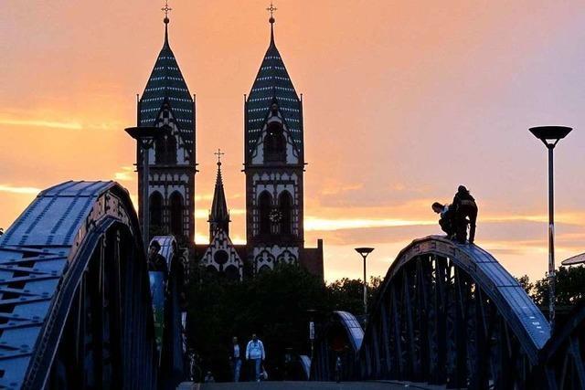 Sonnenuntergang an der Freiburger Wiwili-Brücke