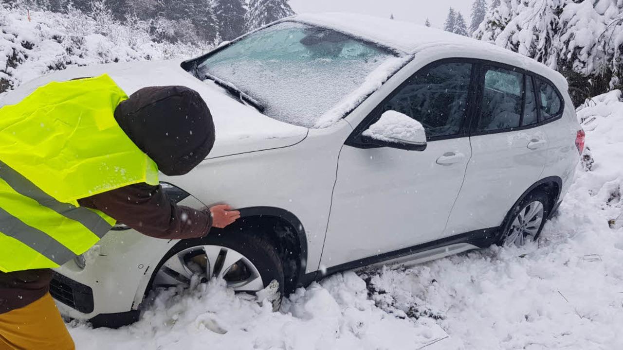 Unfall auf der B500 bei Aha am Schluchsee bei erstem Schnee  | Foto: Kamera24