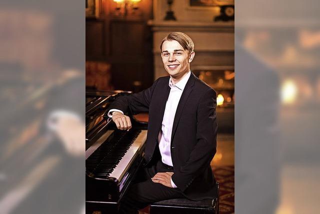 Pianist Nicolai Jan Hübner mit Eigenkompositionen in Friesenheim
